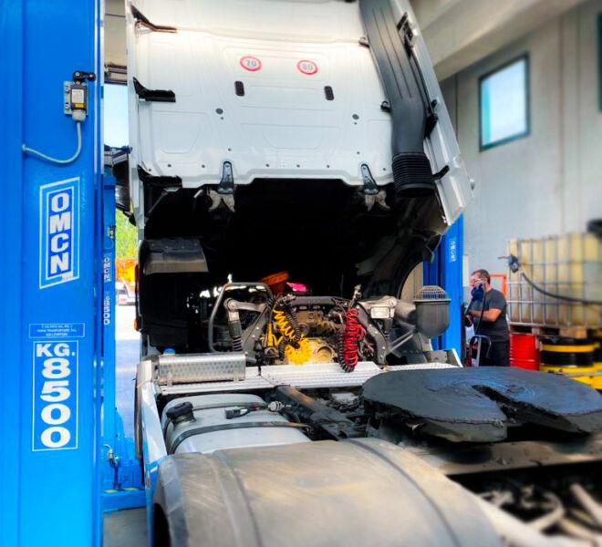 Officina-srl-veicoli-commerciali-riparazione-motore